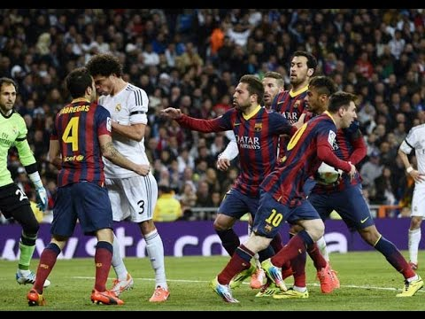 El Clasico – Real Madrid vs Barcelona (Fights, Fouls, Red Cards)