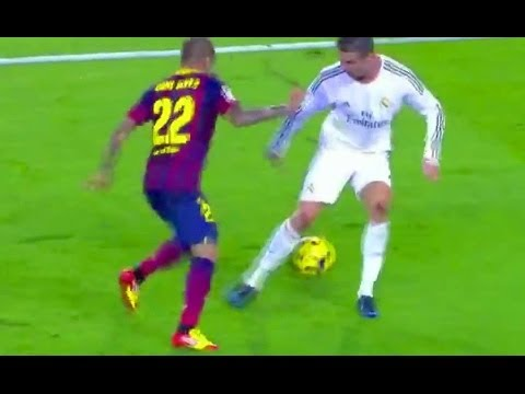 Dani Alves vs Cristiano Ronaldo Skill (Nutmeg) Barcelona 2-1 Real Madrid 2013