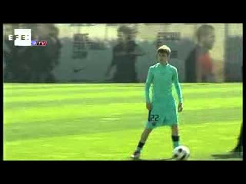 Justin Bieber trains with Barcelona FC