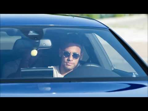 Neymar arrives back at Barcelona's training ground