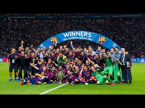 FC Barcelona lift the Champions League trophy 2015