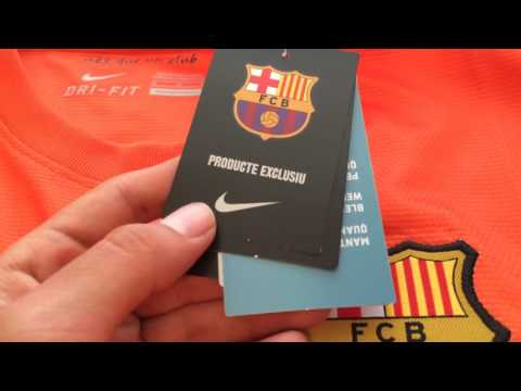 FC Barcelona 12/13 away LS jersey with Club World Cup patch Review
