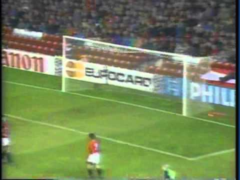 1994 (October 19) Manchester United (england) 2-Barcelona (Spain) 2 (Champions League).mpg