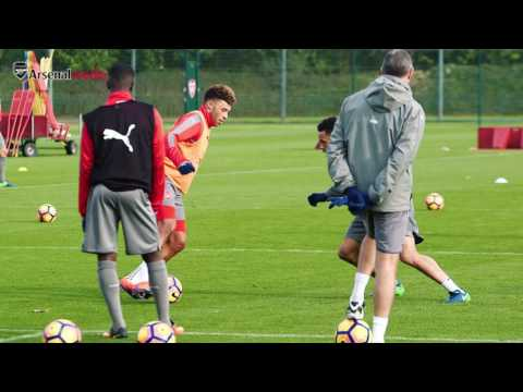 Arsenal: 1v1 training drill