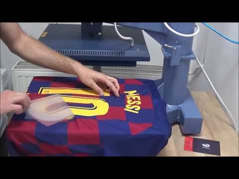 FC Barcelona home jersey 2019/20 with official Lionel Messi 10 print